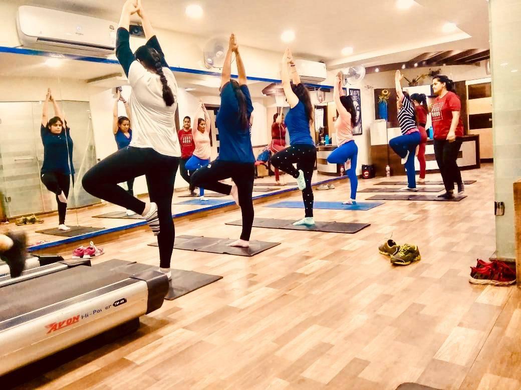 Chandigarh-Sector-15-Cuts-&-Curves-Gym_1152_MTE1Mg_OTg5OQ