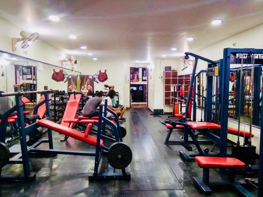 Chandigarh-Sector-15-Cuts-&-Curves-Gym_1152_MTE1Mg_OTkwMQ