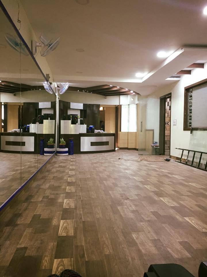Chandigarh-Sector-15-Cuts-&-Curves-Gym_1152_MTE1Mg_OTkwNw