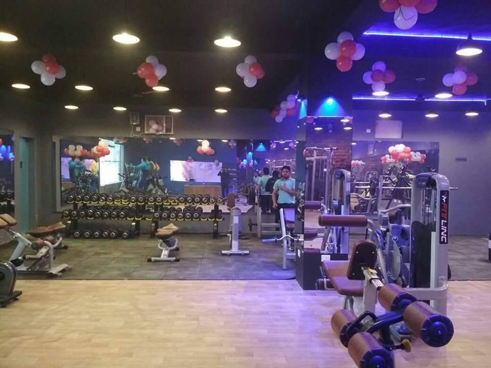Gurugram-Sector-69-Celebrity-Fitness_855_ODU1_OTU3OA