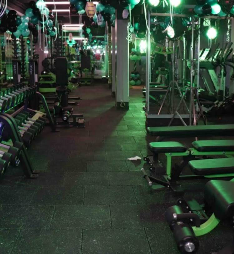 Mumbai-Vikhroli-East-Bombay-Fitness_1646_MTY0Ng_NDM2OQ
