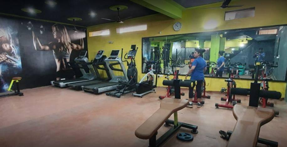 Noida-Sector-119-Fire-Fitness-unisex-gym_990_OTkw_MTE2NTI