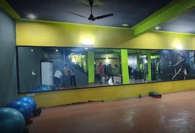 Noida-Sector-119-Fire-Fitness-unisex-gym_990_OTkw_MTE2NTg