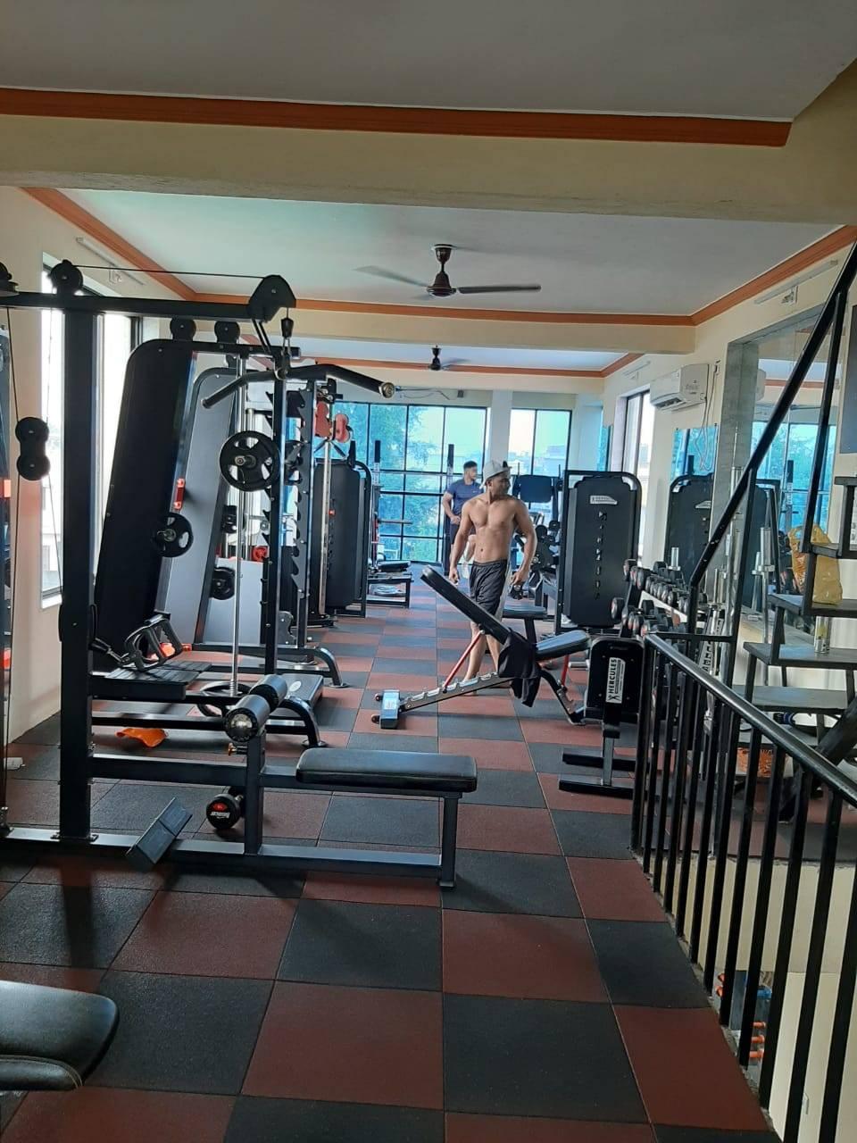 Valsad-Garib-Nawaz-Society-DFC-Decent-Fitness-Centre_384_Mzg0_MTIxMg